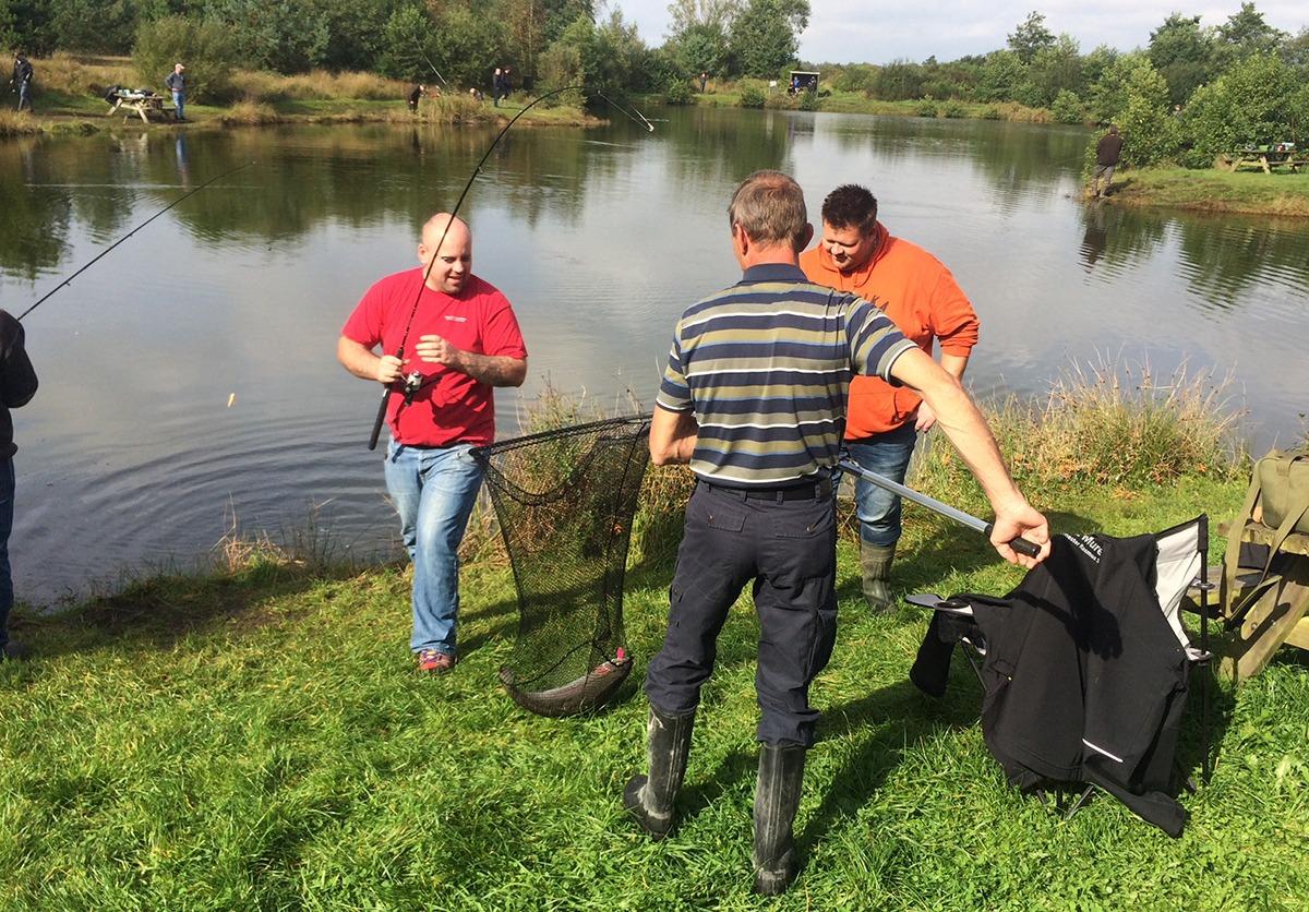 Firma fisketur – Fiske events – Teambuilding med fiskeri
