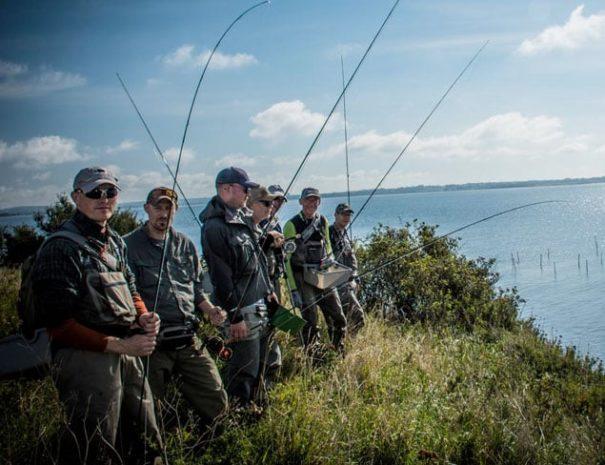 Fælles guidet fisketur på kysten